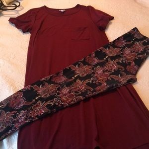Size L Cranberry Carly w/KYRA leggings.